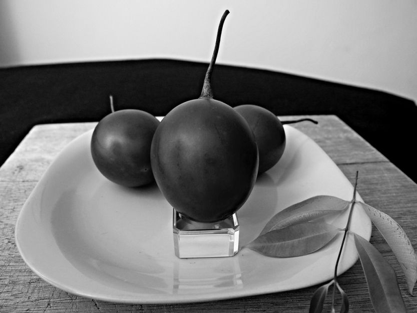tomatoes20monochrome